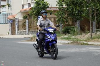 Cách tiết kiệm xăng xe máy hiệu quả, nhiều người đi xe bao lâu vẫn chưa biết