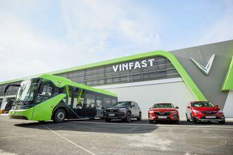Tuyến xe buýt điện thông minh đầu tiên của VinBus bắt đầu lăn bánh tại Phú Quốc
