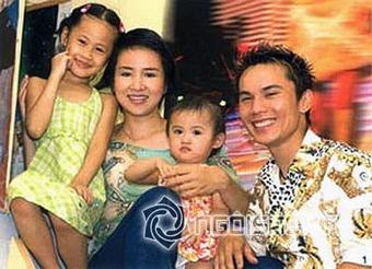 Tú Dưa lên chức bố lần 5, cuộc sống của vợ cũ là ''Nữ hoàng Wushu'' Thúy Hiền giờ ra sao?