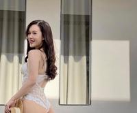 Diễn viên Phạm Ngọc Anh ngoài đời mặc khác xa hình ảnh kín đáo trên phim