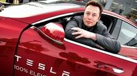 Tesla gia nhập câu lạc bộ 1.000 tỷ USD, đứng chung sân với Apple, Google