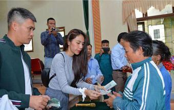 Một huyện ở Nghệ An tiếp tục rà soát lại số tiền từ thiện chênh lệch của ca sĩ Thuỷ Tiên