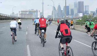 Đi xe đạp lên cao tốc có thể bị phạt tiền 27 triệu đồng