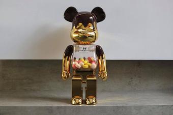 9x Hà Nội mê sưu tập Bearbrick: Sở hữu hàng loạt chú gấu phiên bản giới hạn!