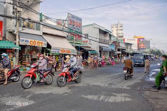 """Trở lại cuộc sống """"bình thường mới"""", nhìn cảnh người mua kẻ bán tấp nập trên các con phố ở Cần Thơ mà thấy """"rung rinh"""""""