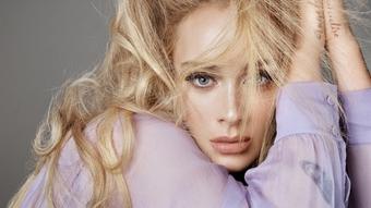''Họa mi'' nước Anh Adele trở lại quán quân trên Billboard Hot 100