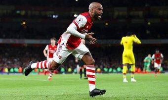 Nhân viên Arsenal muốn ban lãnh đạo làm 1 điều với Lacazette