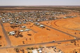 Giá bất động sản leo thang, thị trấn chơi lớn tặng đất ''miễn phí''
