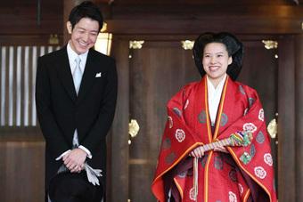 Ngắm đám cưới hoành tráng của loạt Công chúa Nhật gả đi trong vinh quang, chúc phúc: Nhìn sang Mako mà xót xa vì quá đỗi khác biệt!