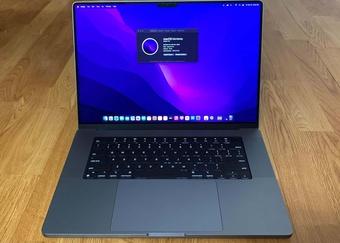 MacBook Pro 14 inch 8 lõi chậm hơn khoảng 20% so với 10 lõi khi chấm điểm