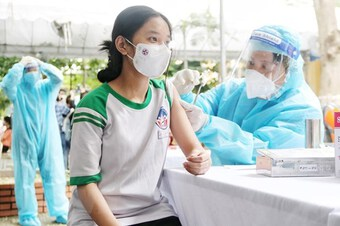 Tiêm vaccine sẽ giúp trẻ bớt được triệu chứng nặng khi mắc bệnh