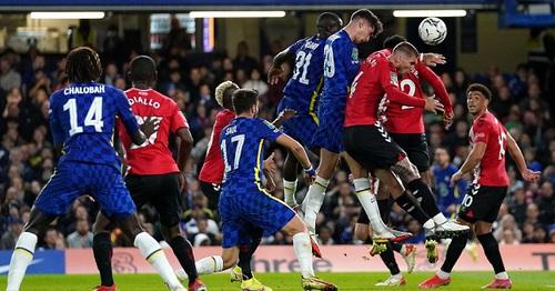 Kepa chuộc lỗi, Chelsea vào tứ kết League Cup