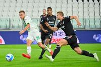 Juventus thua cay đắng phút cuối trên sân nhà