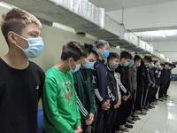 Người đi đường chết oan vì bị 17 thanh thiếu niên chém nhầm