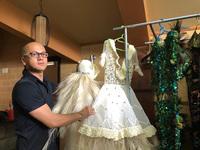 Patrick Phạm mang lãnh Mỹ A và thổ cẩm đến Tuần lễ thời trang Paris
