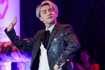 Mời fan nữ lên song ca, Sơn Tùng M-TP có hành động khiến triệu trái tim 'tan chảy'