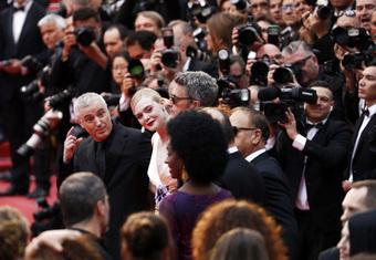 """Có mỹ nhân sở hữu làn da trắng đến mức lóa mắt khiến """"ma cà rồng"""" Nicole Kidman cũng phải chào thua"""