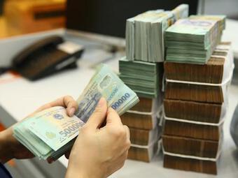 Dòng tiền bùng nổ, đỉnh mới lần đầu tiên xuất hiện trên sân chơi nóng tại Việt Nam