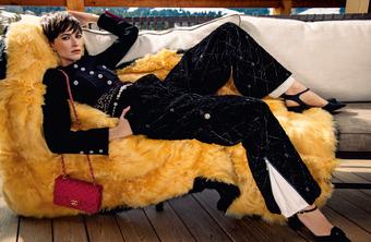 Dấu ấn tương phản tạo nên sự khác biệt của Chanel được khắc họa rõ nét trong chiến dịch quảng bá mới